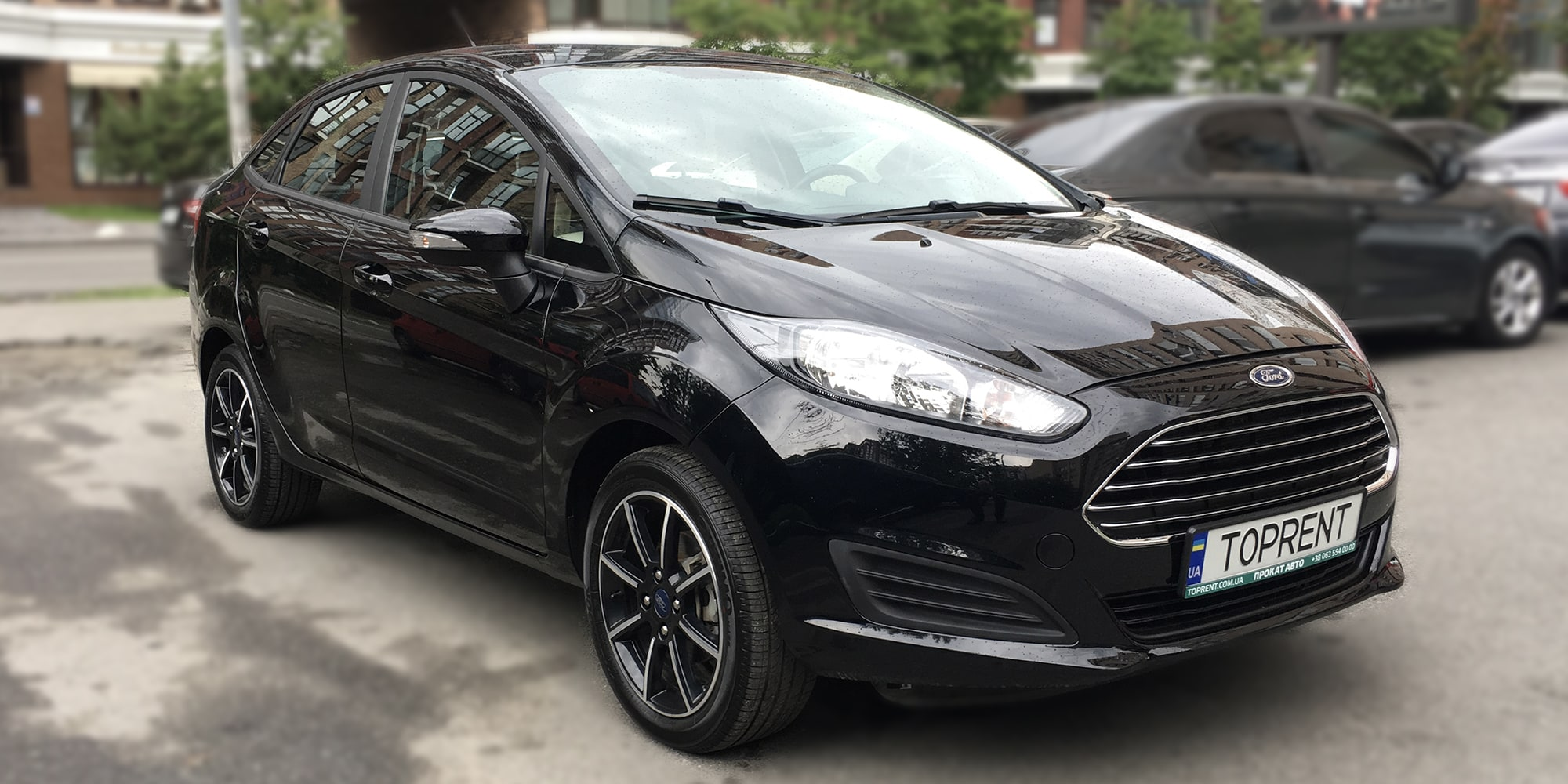 Ford-Fiesta-sedan-TopRent.UA-2