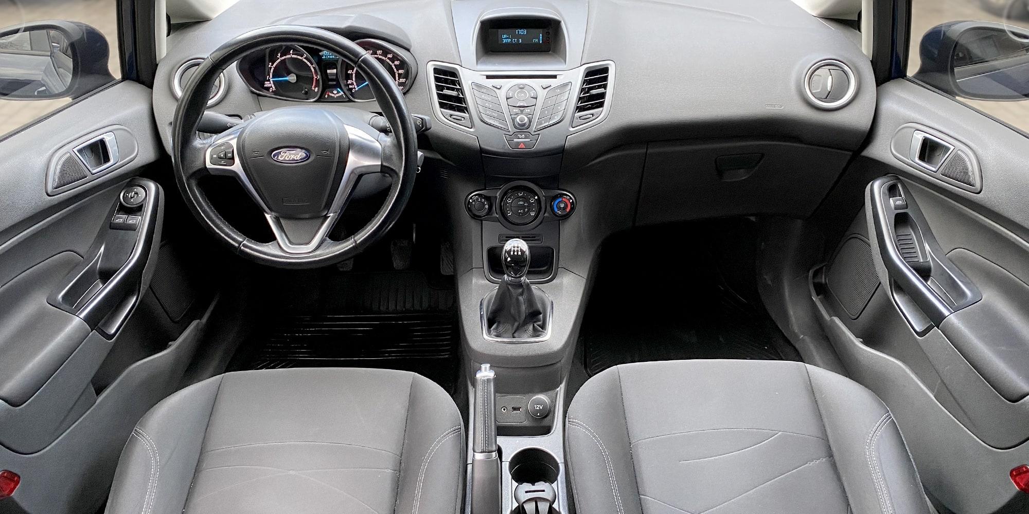 Ford Fiesta manual - TopRent: Служба аренды авто в Киеве